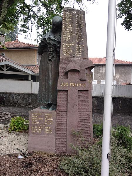 Photo du Monument Historique Monument aux morts de la guerre 1914-1918, situé entre les rues J.N.-Serret et Castetbert situé à Castets
