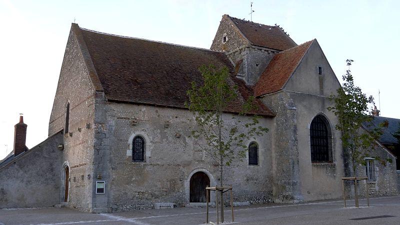 Photo du Monument Historique Eglise Saint-Lubin situé à Averdon