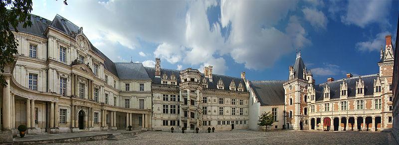 Photo du Monument Historique Château de Blois situé à Blois