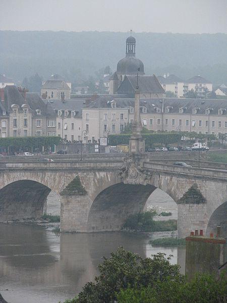 Photo du Monument Historique Eglise Saint-Saturnin situé à Blois