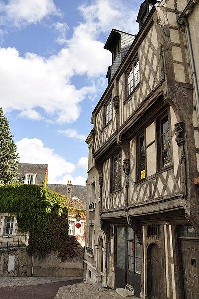 Photo du Monument Historique Maison de l'Acrobate situé à Blois
