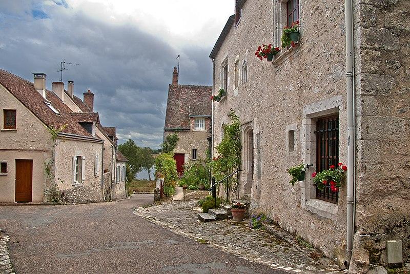 Photo du Monument Historique Maison du 15e siècle situé à Cour-sur-Loire