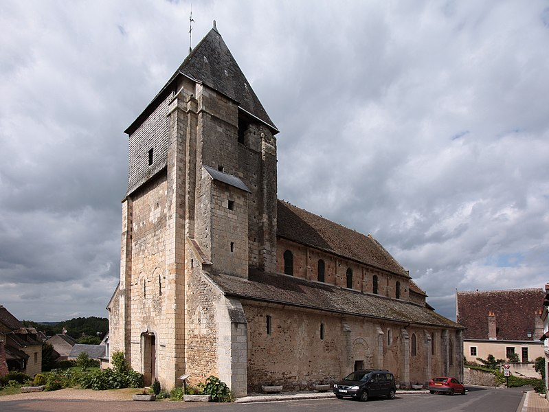 Photo du Monument Historique Eglise Saint-Genest situé à Lavardin