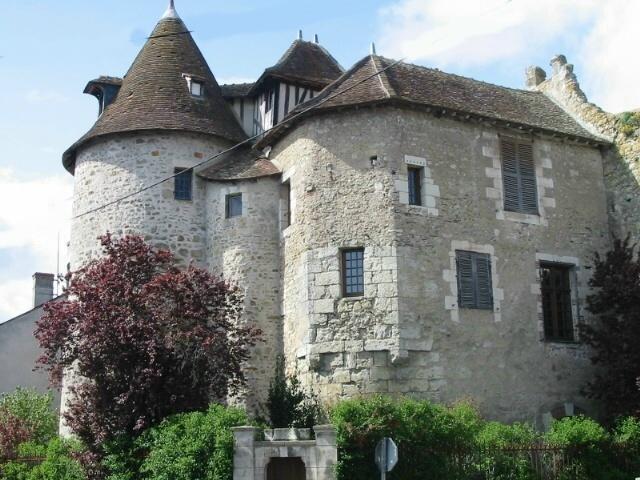 Photo du Monument Historique Restes de l'ancien prieuré situé à Mennetou-sur-Cher