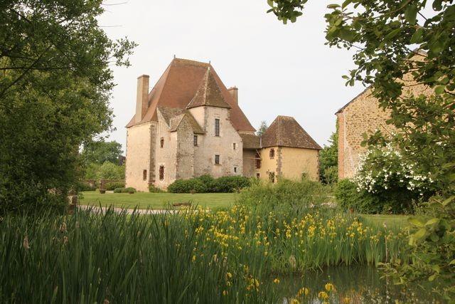 Photo du Monument Historique Ancien manoir de Rocheux situé à Mondoubleau