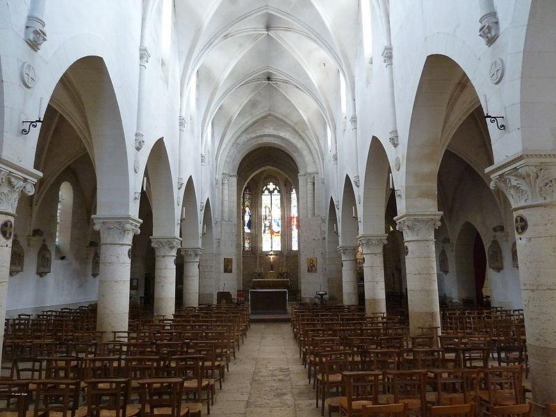 Photo du Monument Historique Eglise Saint-Pierre situé à Pontlevoy
