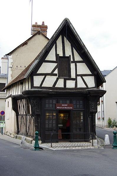 Photo du Monument Historique Maison en bois dite Le Carroir Doré, au Carroir Doré situé à Romorantin-Lanthenay