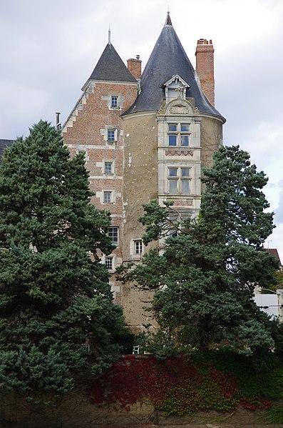 Photo du Monument Historique Sous-Préfecture situé à Romorantin-Lanthenay