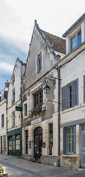 Photo du Monument Historique Maison Pénissart (ancien hôtel de la Croix-Blanche) situé à Saint-Aignan