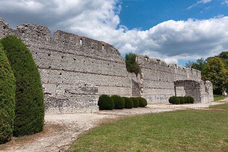 Photo du Monument Historique Ruines romaines des Mazelles situé à Thésée