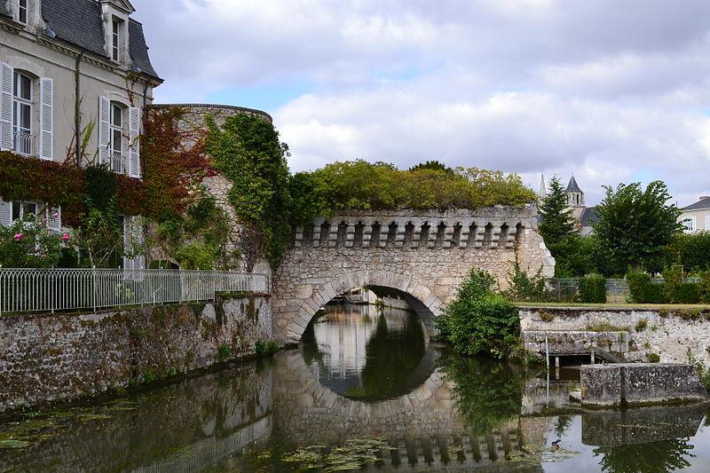 Photo du Monument Historique Arche des Grands Prés sur le Loir situé à Vendôme
