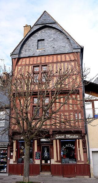 Photo du Monument Historique Maison du 15e siècle dite Maison Saint-Martin situé à Vendôme