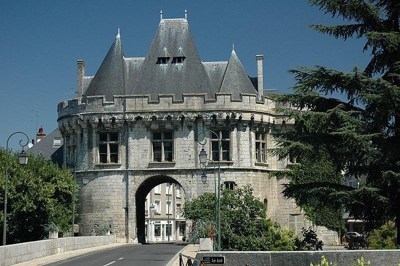 Photo du Monument Historique Ancienne porte Saint-Georges situé à Vendôme