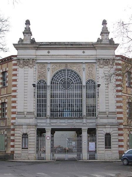 Photo du Monument Historique Usine Normant, actuellement usine Matra Automobile situé à Romorantin-Lanthenay