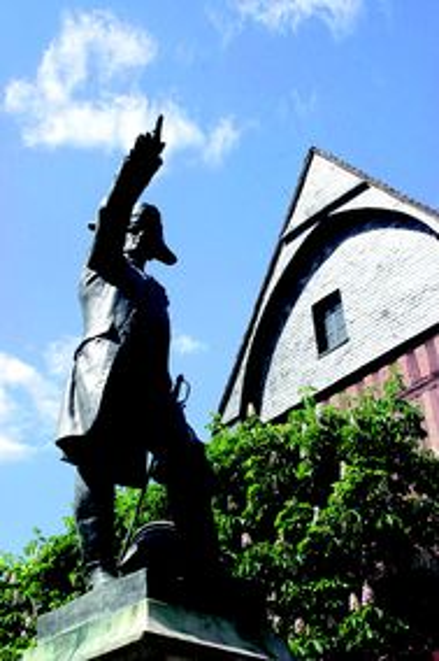 Photo du Monument Historique Monument à Rochambeau situé à Vendôme
