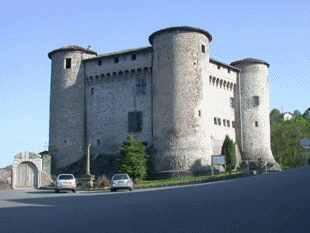 Photo du Monument Historique Château des Talaru situé à Chalmazel