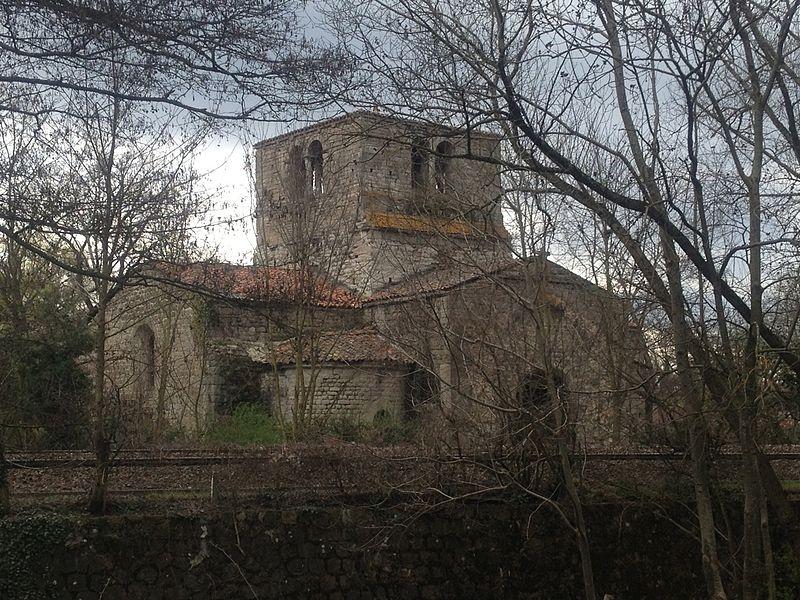 Photo du Monument Historique Eglise abbatiale de Jourcey situé à Chamboeuf