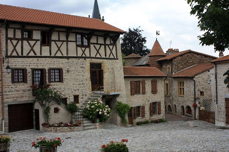 Photo du Monument Historique Maison à pans de bois situé à Le Crozet