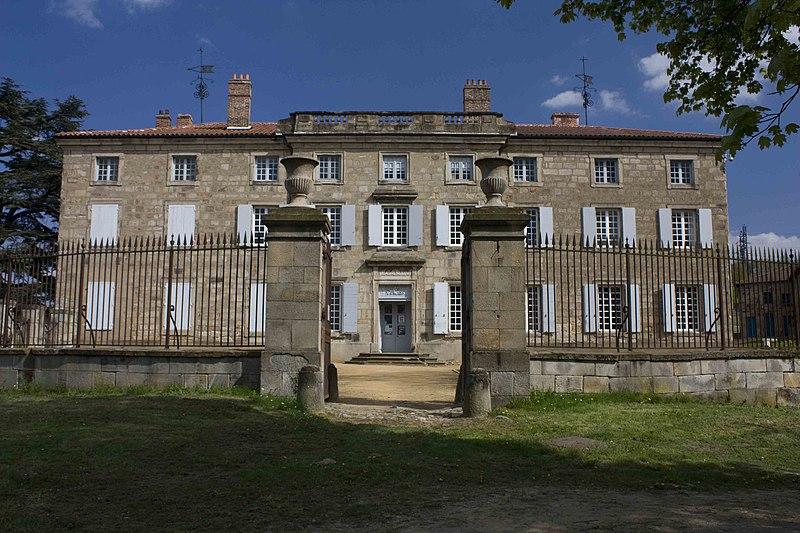 Photo du Monument Historique Château des Bruneaux situé à Firminy