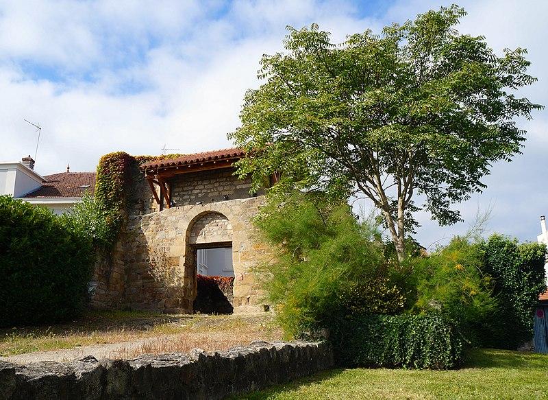 Photo du Monument Historique Eglise Saint-Pierre situé à Firminy