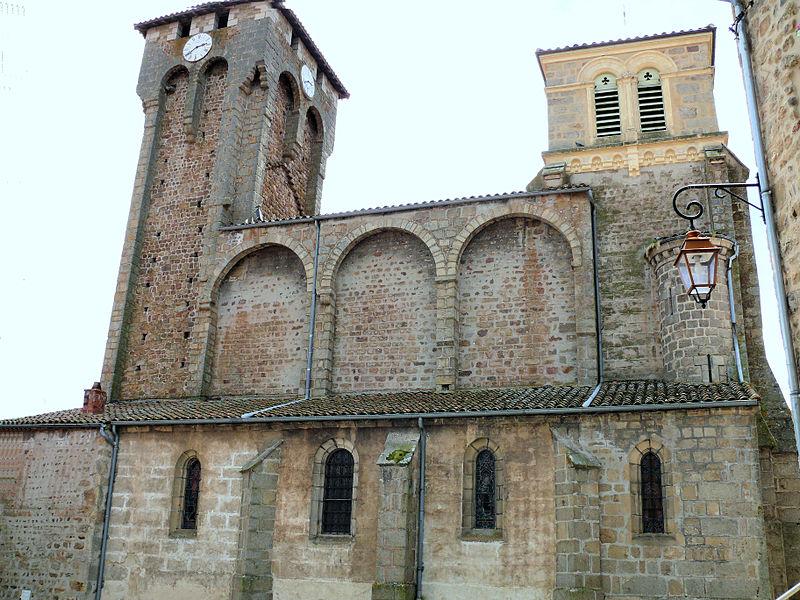 Photo du Monument Historique Eglise à l'exception de l'étage moderne qui couronne le clocher occidental situé à Marols