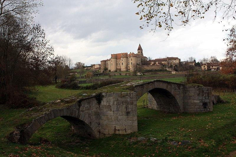 Photo du Monument Historique Pont sur l'Aix situé à Pommiers