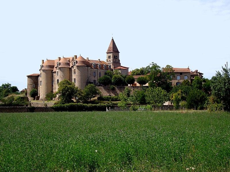 Photo du Monument Historique Prieuré situé à Pommiers