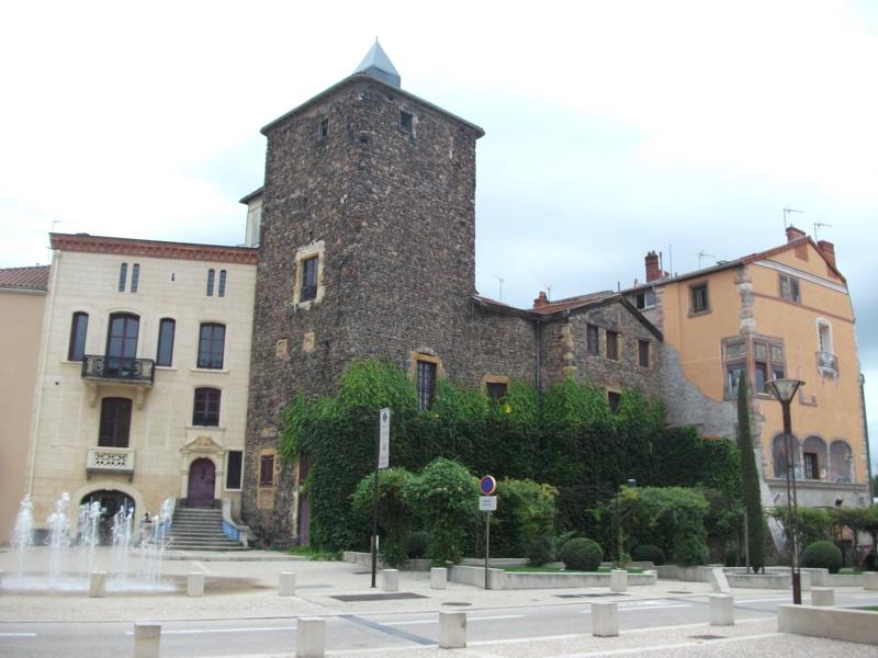 Photo du Monument Historique Château situé à Roanne