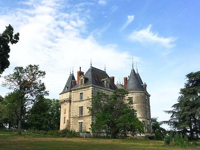 Photo du Monument Historique Château situé à Saint-Bonnet-les-Oules