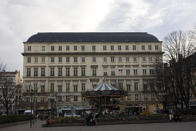 Photo du Monument Historique Immeuble Le Grand Cercle situé à Saint-Etienne