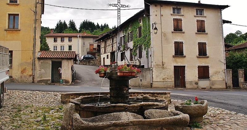 Photo du Monument Historique Fontaine de la Conche situé à Saint-Just-en-Chevalet