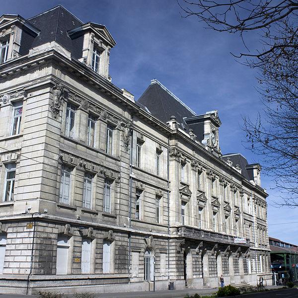 Photo du Monument Historique Bourse du Travail situé à Saint-Etienne