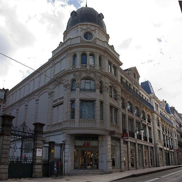 Photo du Monument Historique Immeuble dénommé  Les Nouvelles Galeries situé à Saint-Etienne