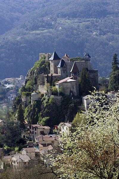 Photo du Monument Historique Château de Cornillon situé à Saint-Paul-en-Cornillon