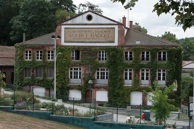 Photo du Monument Historique Ancienne usine de la société Badoit situé à Saint-Galmier