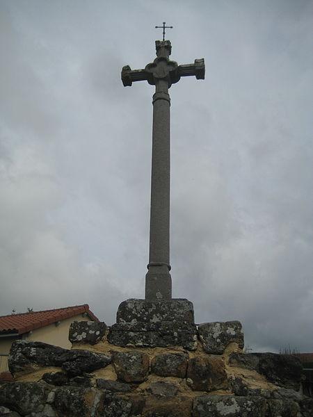 Photo du Monument Historique Croix en pierre situé à Agnat
