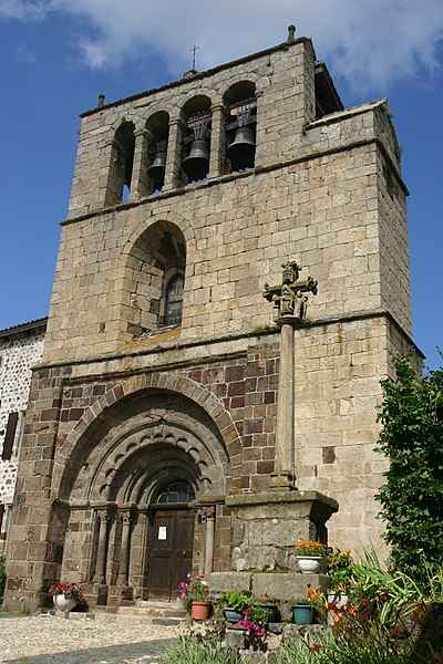 Photo du Monument Historique Eglise Saint-Pierre situé à Arlempdes