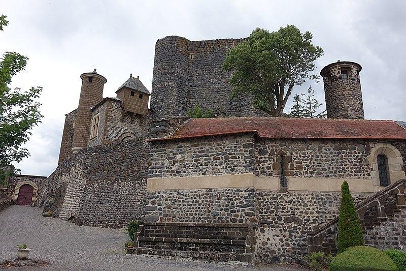 Photo du Monument Historique Château de Bouzols situé à Arsac-en-Velay