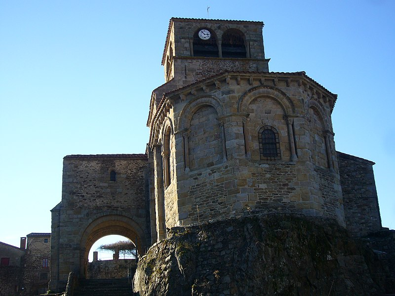 Photo du Monument Historique Eglise Saint-Laurent situé à Auzon