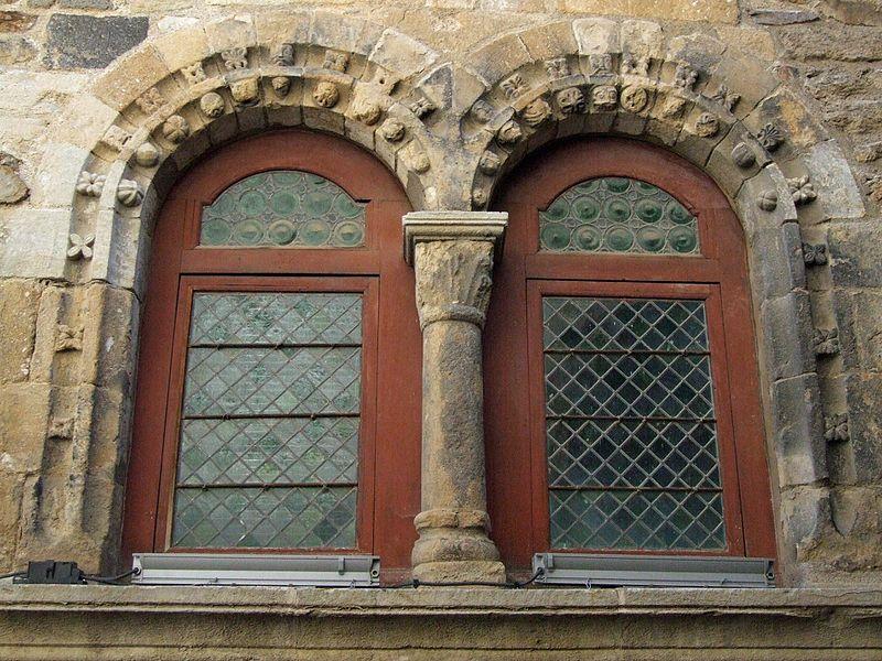 Photo du Monument Historique Maison romane situé à Blesle