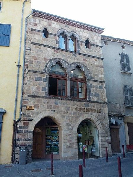 Photo du Monument Historique Maison romane dite Maison Porte situé à Brioude