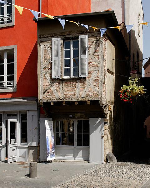 Photo du Monument Historique Maison dite Maison de Mandrin situé à Brioude