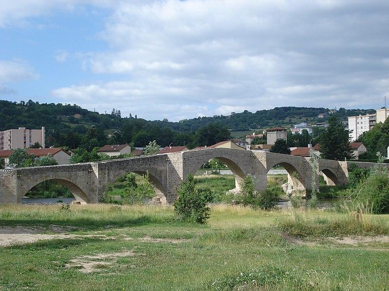 Photo du Monument Historique Pont de la Chartreuse situé à Brives-Charensac