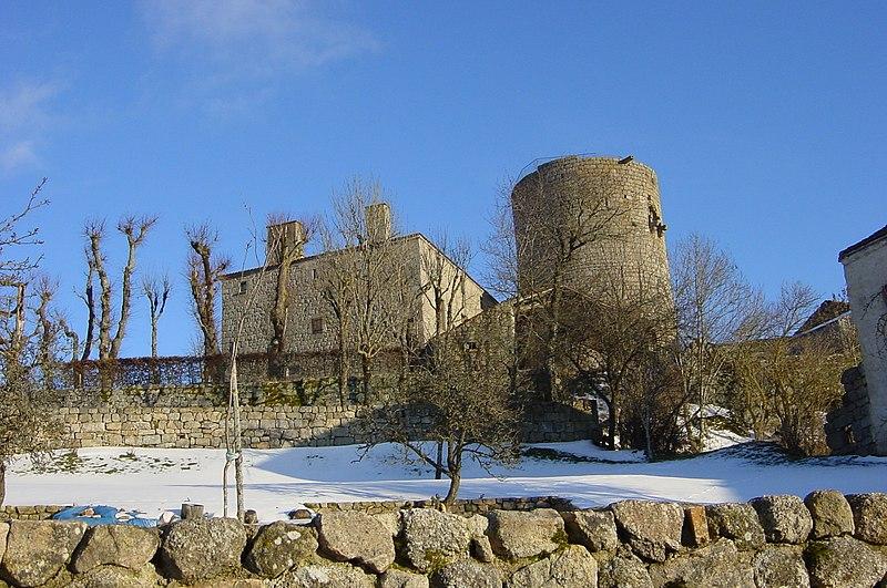 Photo du Monument Historique Château fort d'Esplantas situé à Esplantas