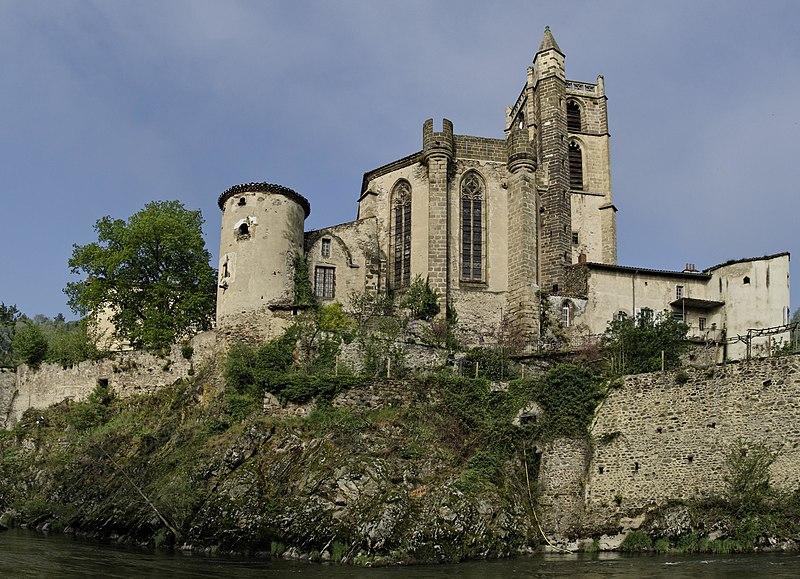 Photo du Monument Historique Prieuré de Lavoûte-Chilhac situé à Lavoûte-Chilhac