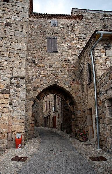 Photo du Monument Historique Porte du Besset situé à Pradelles