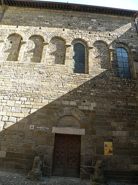 Photo du Monument Historique Baptistère Saint-Jean situé à Puy-en-Velay (Le)