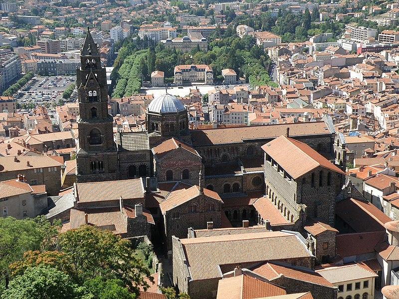 Photo du Monument Historique Cathédrale Notre-Dame et ses dépendances situé à Le Puy-en-Velay