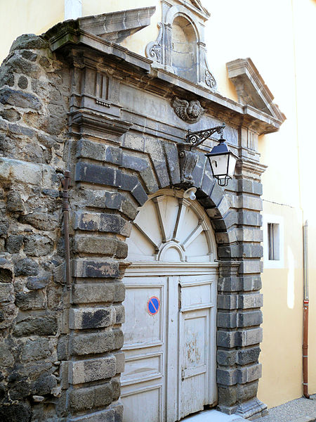 Photo du Monument Historique Ancien collège royal, actuellement lycée Charles et Adrien Dupuy situé à Puy-en-Velay (Le)