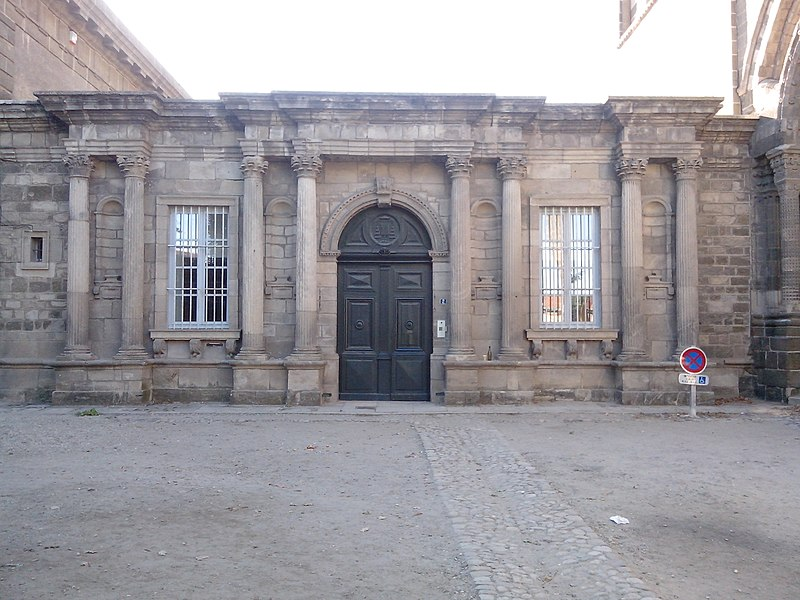 Photo du Monument Historique Evêché situé à Le Puy-en-Velay